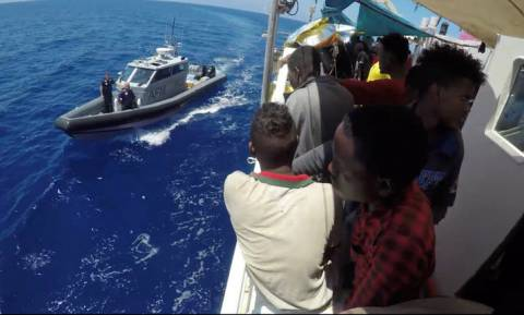 Τέλος στο θρίλερ; Σε λιμάνι της Μάλτας το πλοίο Lifeline με τους 230 μετανάστες