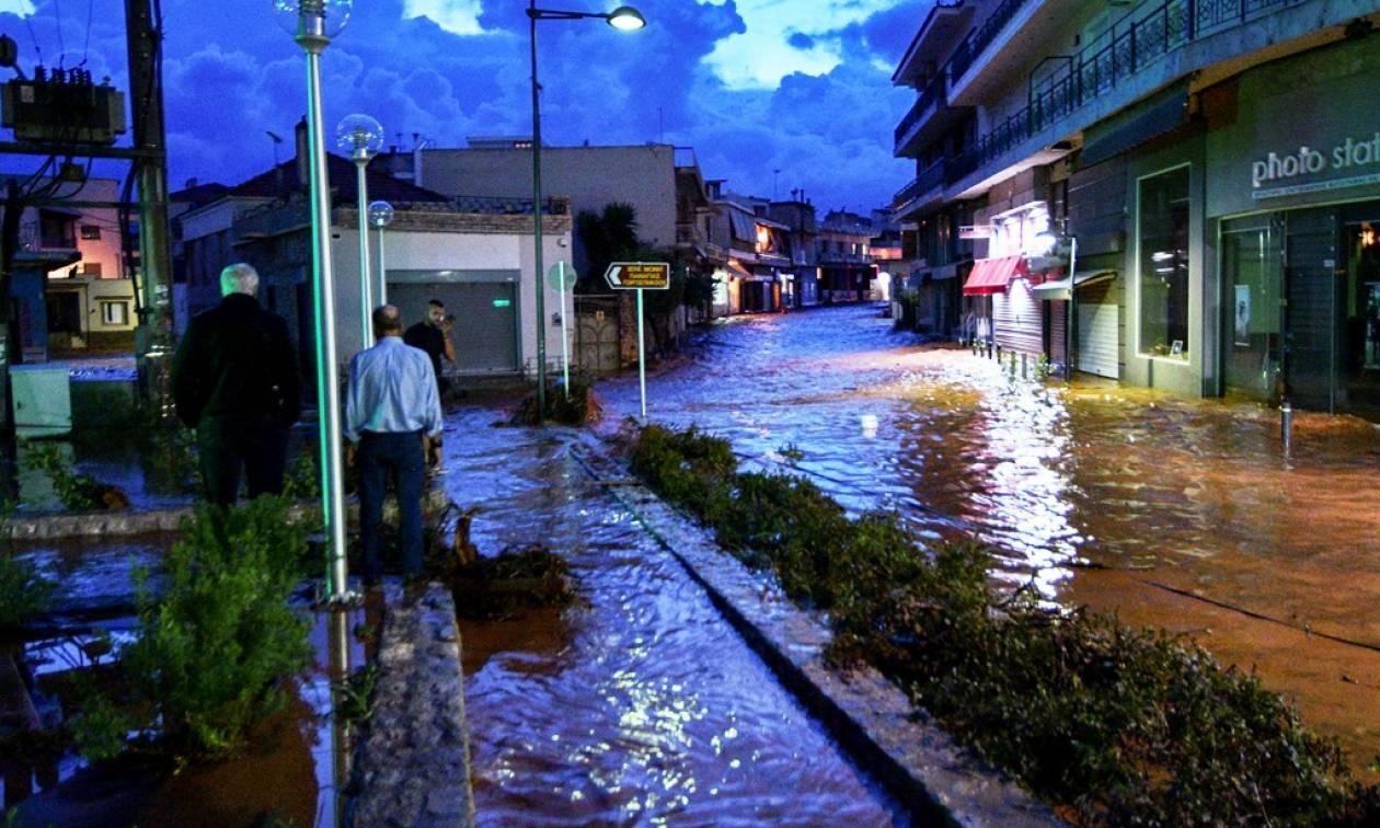 Καιρός: Πλημμύρισαν ξανά οι δρόμοι σε Νέα Πέραμο, Μάνδρα και Μέγαρα (vid&pics)