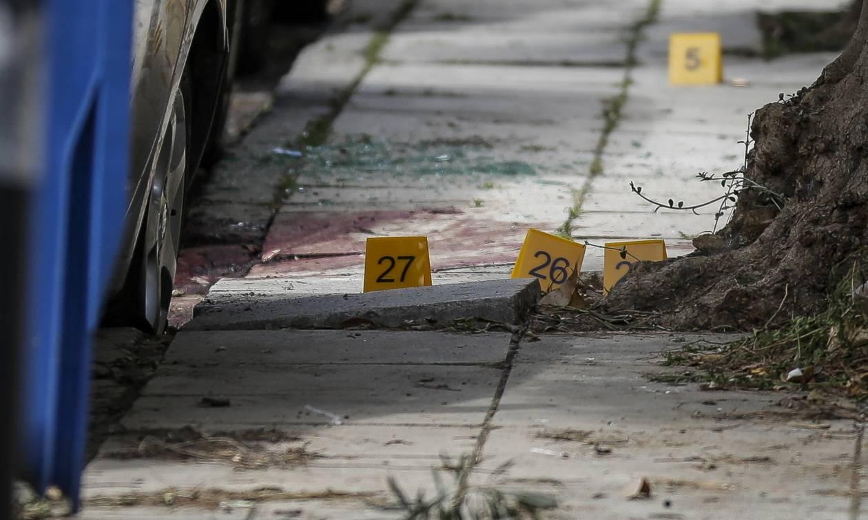 Νεκρός ο άνδρας που «γάζωσαν» στο Παλαιό Φάληρο (pics&vid)