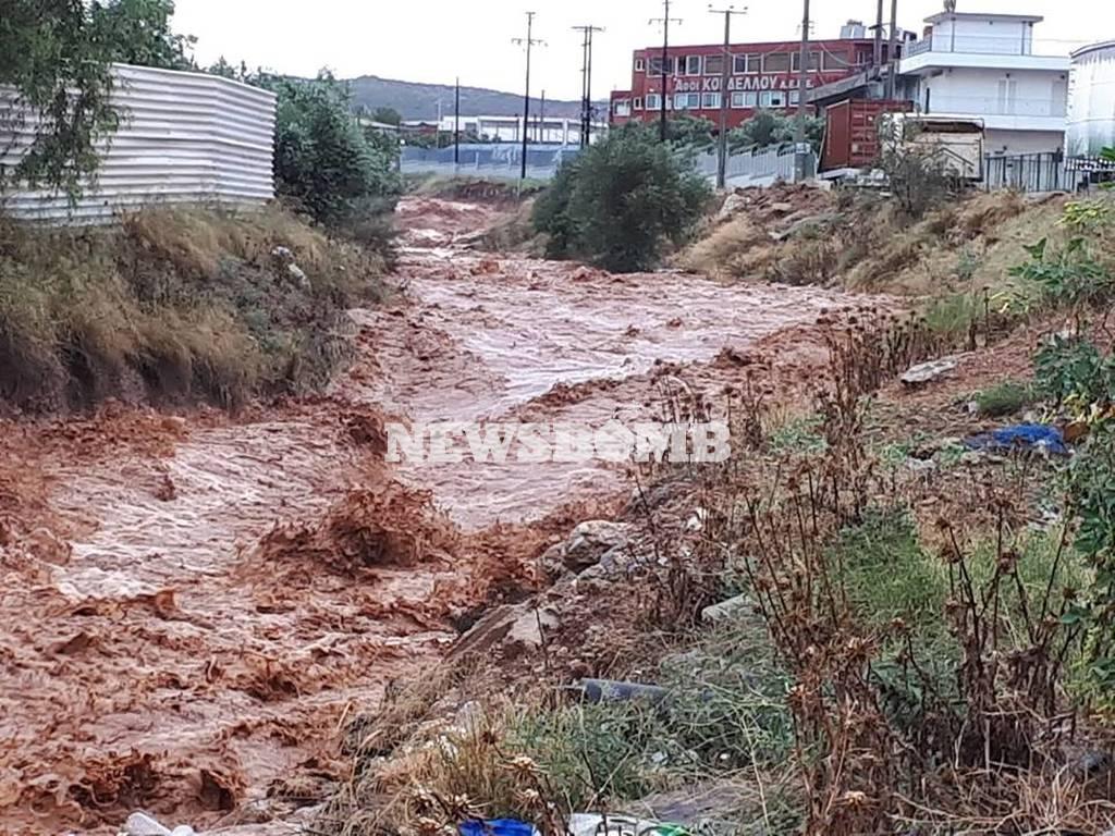 Καιρός: Έκλεισε η Εθνική Οδός Αθηνών – Κορίνθου λόγω σφοδρής βροχόπτωσης