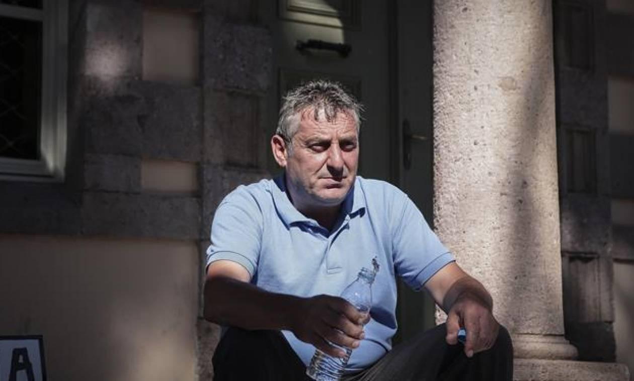Μυτιλήνη: Διέκοψε την απεργία πείνας ο πρόεδρος της Μόριας