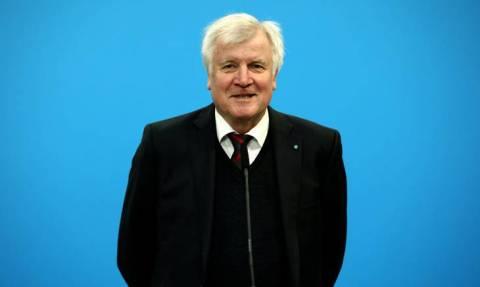 Γερμανία: Ο Ζεεχόφερ διαβεβαιώνει ότι δεν σκοπεύει να ρίξει την κυβέρνηση του «μεγάλου συνασπισμού»