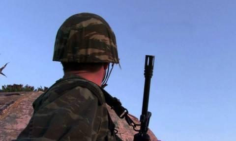 Εξέλιξη - σοκ στην τραγωδία με το στρατιώτη στη Ρω: Τι αποκαλύπτει η μητέρα του (pic)