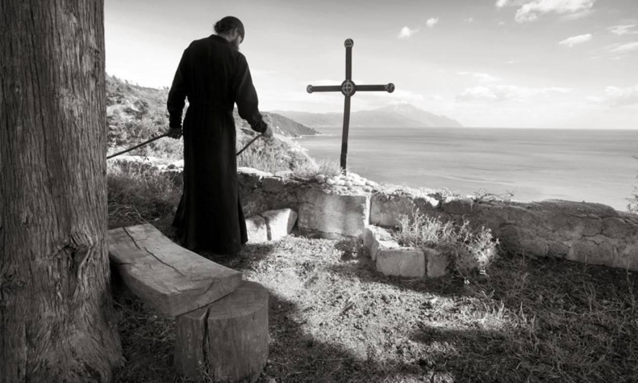 Αγιορείτες μοναχοί: Προδοτική η συμφωνία για το Σκοπιανό