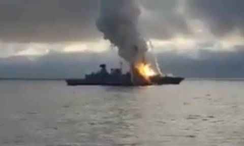 Συγκλονιστικό βίντεο: Έκρηξη σε γερμανική φρεγάτα - Πύραυλος κόλλησε στον εκτοξευτήρα (vid)