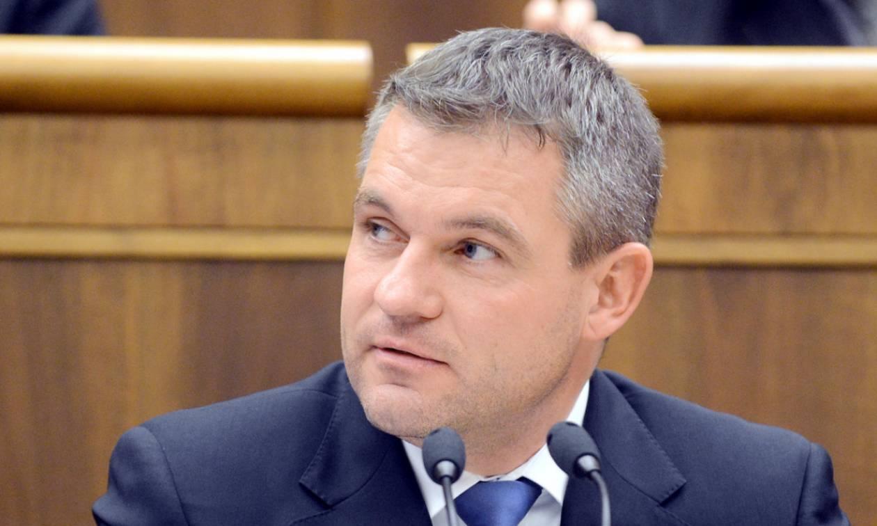 Προσφυγικό - Σλοβάκος πρωθυπουργός: Ύψιστη προτεραιότητα η προστασία των εξωτερικών συνόρων της EE