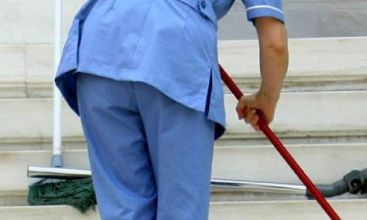 Θεσσαλονίκη: Στο νοσοκομείο καθαρίστρια που της έπεσε οξύ στο πρόσωπο