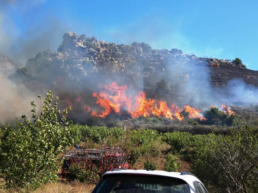 Κρήτη: Φωτιά κοντά σε μοναστήρι - Με τις εικόνες στα χέρια έτρεχαν οι καλόγριες