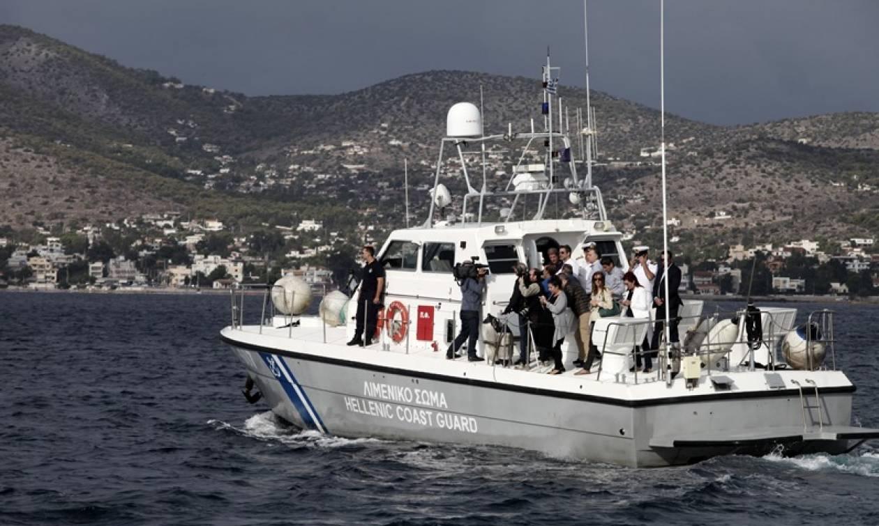Συναγερμός σε παραλία της Αττικής: 19χρονος παρασύρθηκε στα ανοιχτά πάνω σε στρώμα θαλάσσης