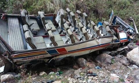 Τραγωδία στην Ινδία: 44 νεκροί σε τροχαίο δυστύχημα