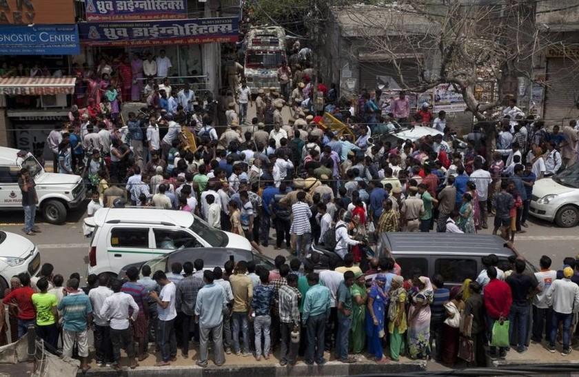 Μυστήριο στην Ινδία: Δέκα μέλη οικογένειας βρέθηκαν απαγχονισμένα (pics&vid)