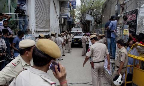 Μυστήριο στην Ινδία: Δέκα μέλη οικογένειας βρέθηκαν απαγχονισμένα στο σπίτι τους (pics&vid)