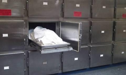 Βρήκαν γυναίκα ζωντανή μέσα σε ψυγείο νεκροτομείου