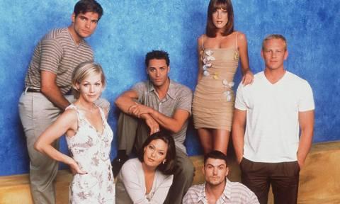 Πέντε τάσεις από τα πιο γνωστά σίριαλ των 90s που θα φοράμε όλες αυτό το καλοκαίρι