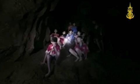 Ταϊλάνδη: Το δύσκολο «στοίχημα» της διάσωσης των 13 εγκλωβισμένων στη σπηλιά