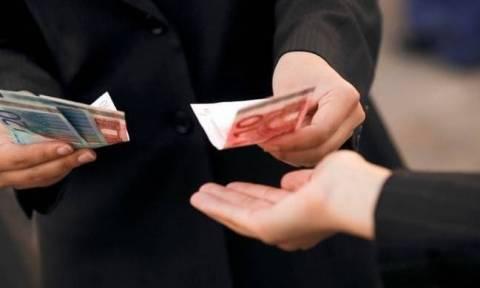 Εξαρθρώθηκε κύκλωμα απατεώνων που έταζε τακτοποίηση κόκκινων δανείων