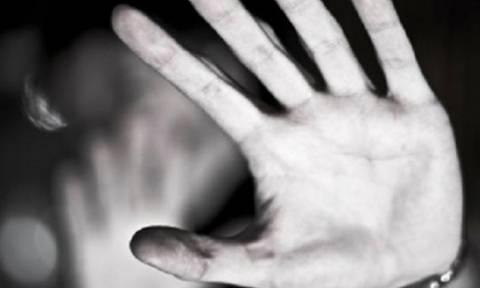 Σοκ στην Πρέβεζα: Προσπάθησε να βιάσει 17χρονη μέσα στο σπίτι της!