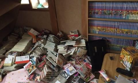 Ο σεισμός αποκάλυψε στη μητέρα της, μια απίστευτη συλλογή που έκρυβε στο δωμάτιο της! (photos)
