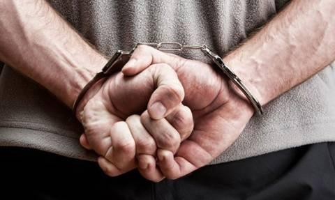 Συνελήφθησαν πέντε μέλη σπείρας που έκλεβε οχήματα και εξωλέμβιες μηχανές