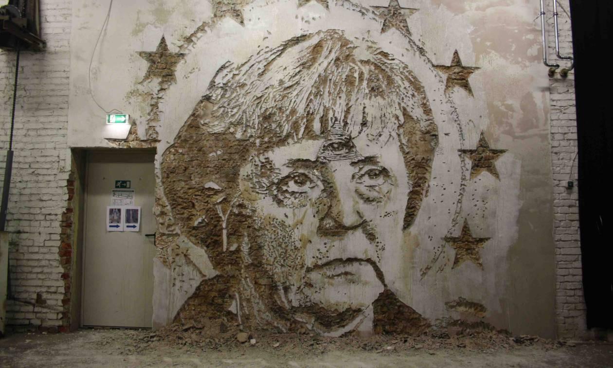 VHILS: Αυτός ο «γκραφιτάς» δημιουργεί καταστρέφοντας (Pics)