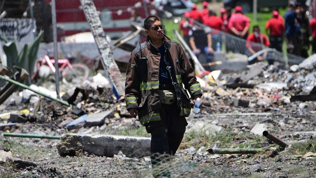 Τραγωδία στο Μεξικό: Τουλάχιστον 24 νεκροί από εκρήξεις σε αποθήκες πυροτεχνημάτων (vid+pics)