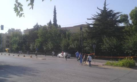 Συναγερμός στην Ευελπίδων - Εντοπίστηκε ύποπτο αντικείμενο (pics)