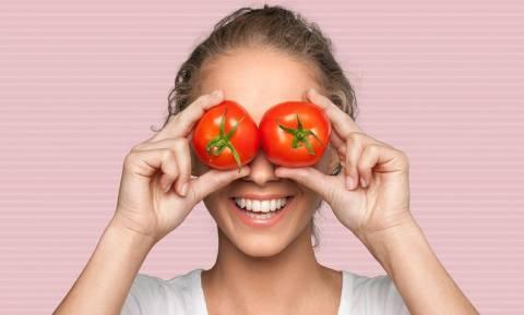 Εκφύλιση ωχράς κηλίδας: Με ποια διατροφή θα προστατεύσετε την όρασή σας