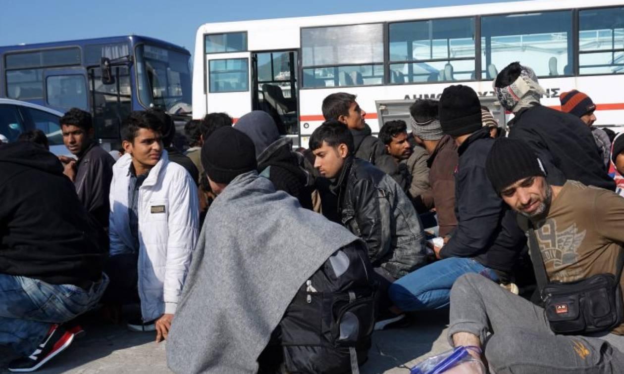 Γιούνκερ σε Κουρτς: Η Frontex θα ενισχυθεί με 10.000 αστυνομικούς