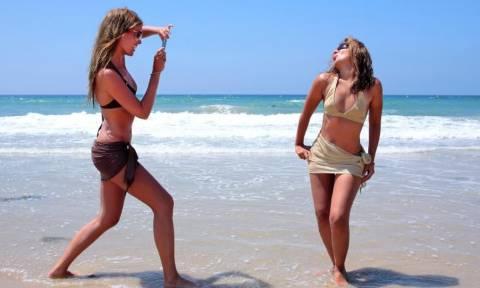 Πέντε λόγοι για να την «αφήσεις» να πάει διακοπές με τις φίλες της!