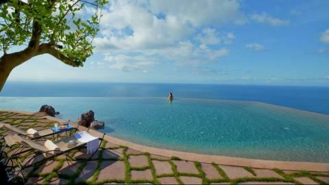 Μακάρι μια μέρα να μπορέσουμε να πάμε σε ΑΥΤΗΝ την ξενοδοχειάρα! (pics)