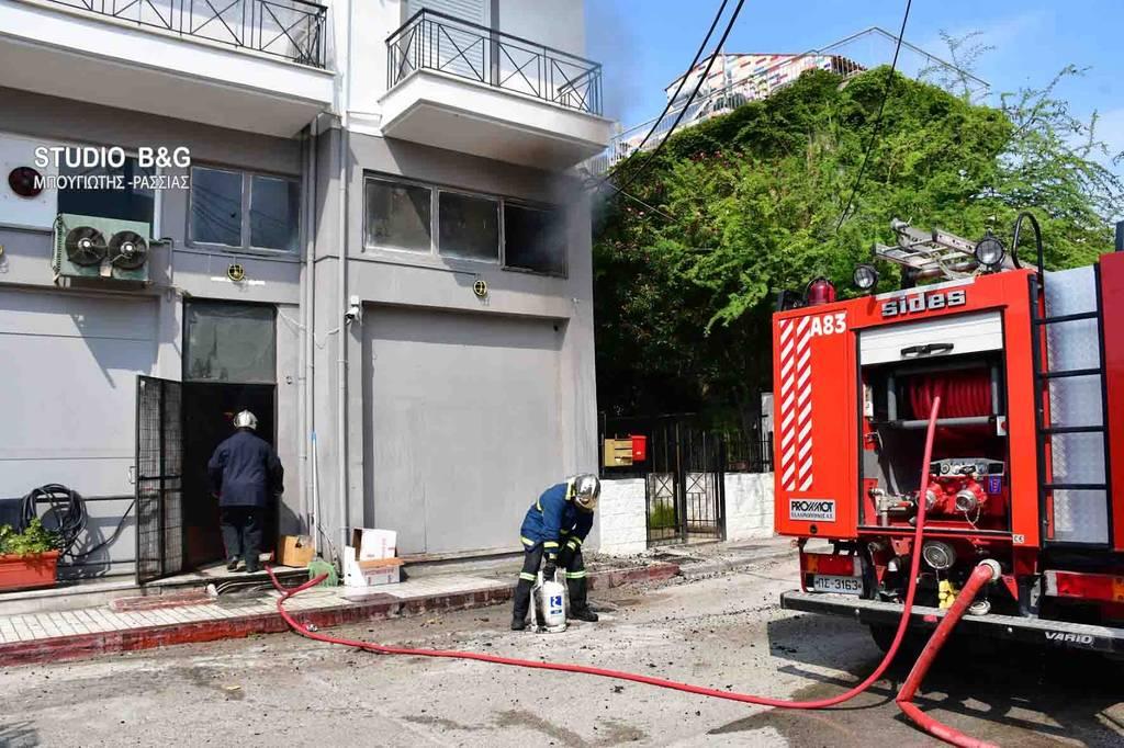 Αναστάτωση στο Ναύπλιο: Μεγάλη φωτιά σε εστιατόριο (vid-pics)