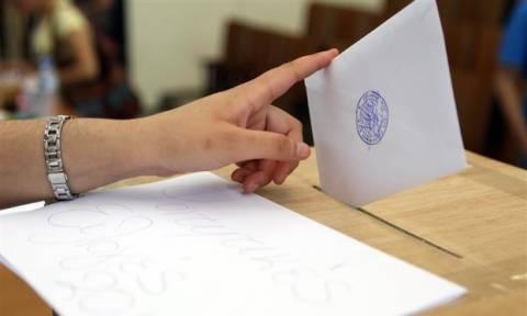 Νέα δημοσκόπηση: Μεγάλες ανατροπές και εκπλήξεις αλλάζουν το πολιτικό τοπίο