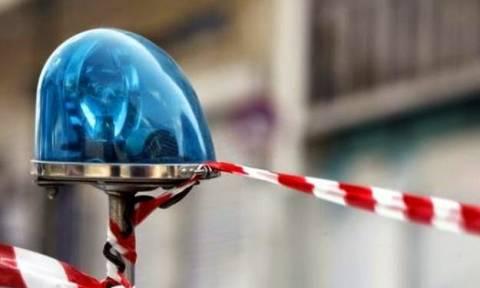 Σοκ στη Λαμία: Άνοιξε την πόρτα του φορτηγού και βρήκε ένα νεκρό