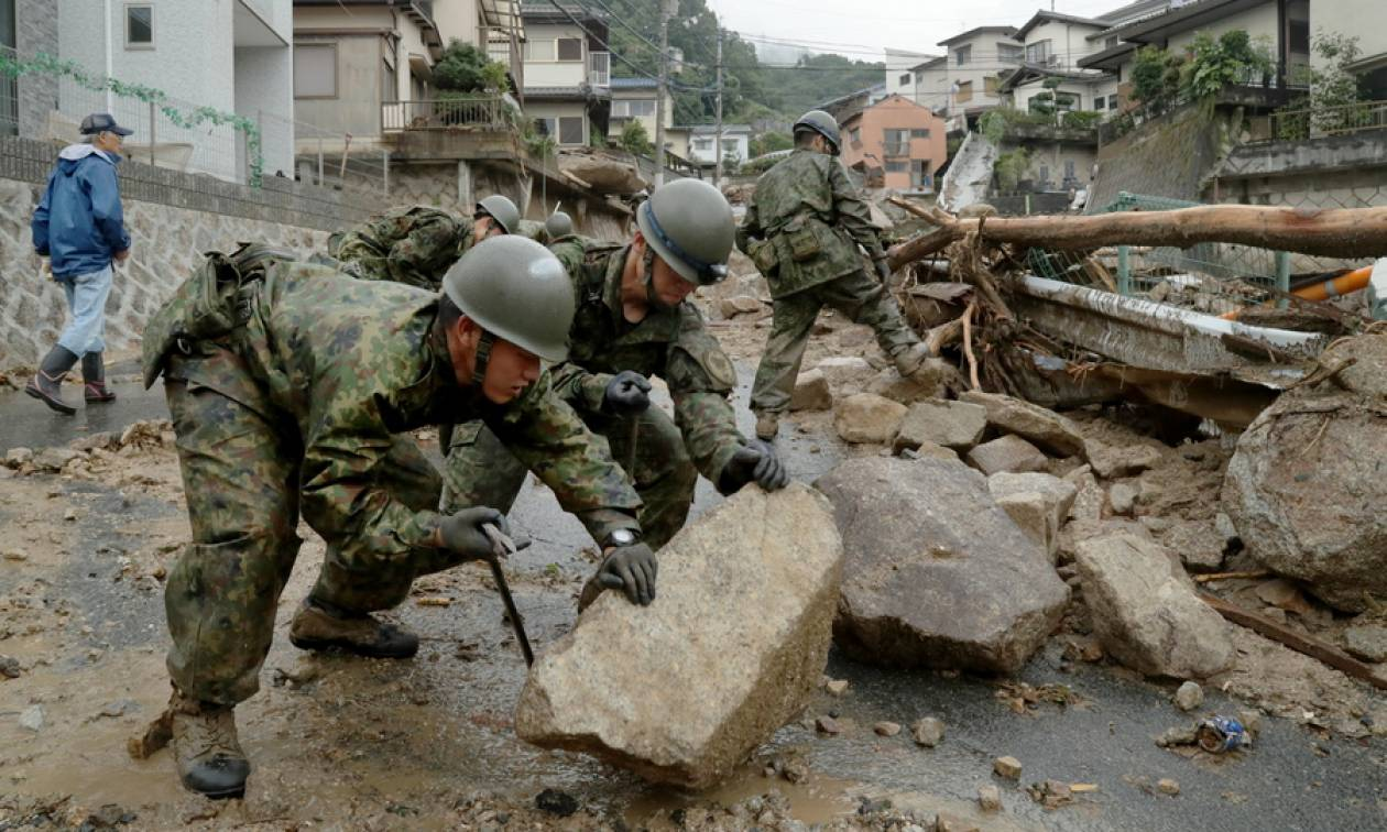 Χωρίς τέλος η τραγωδία στην Ιαπωνία: Στους 81 οι νεκροί από τις πρωτοφανείς καταιγίδες (Pics+Vids)