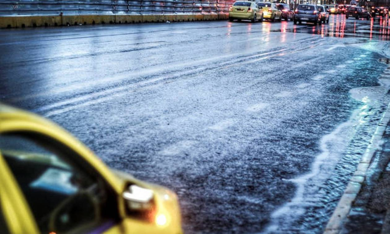 Κακοκαιρία: Αποκαταστάθηκε η κυκλοφορία στην οδό Πειραιώς και στην Πύλη Ε2 στο λιμάνι του Πειραιά