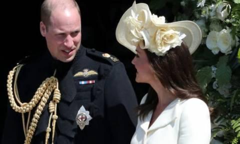 Ξεκίνησε η βάφτιση του πρίγκιπα Louis! Μαζί Kate και Meghan με τα πριγκιπόπουλα να πρωταγωνιστούν