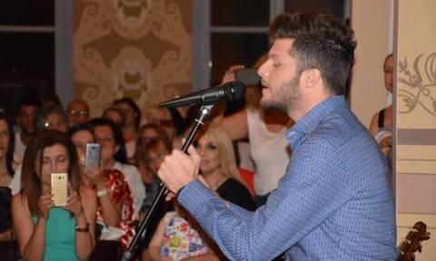 Τραγούδια του Μάνου Χατζιδάκι ερμήνευσε ο Λούκας Γιώρκας σε μια μαγική βραδιά στη Ξάνθη (pics+vid)