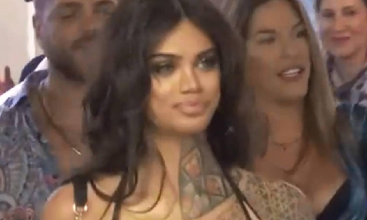Μύκονος: Δεν πίστευαν στα μάτια τους όταν είδαν τι κουβαλά πάνω της αυτή η νεαρή καλλονή! (video)