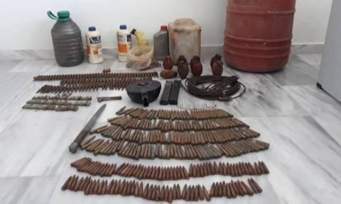 Πατέρας και γιος συνελήφθησαν στα Χανιά με μίνι - οπλοστάσιο (pics)