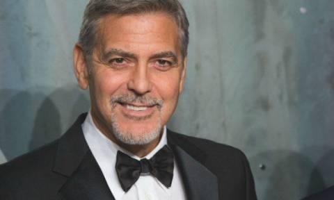 Στο νοσοκομείο ο George Clooney: Παρασύρθηκε από αυτοκίνητο - Δείτε εικόνα από το σημείο