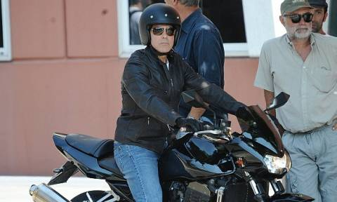 Πήρε εξιτήριο από το νοσοκομείο ο George Clooney μετά το τροχαίο