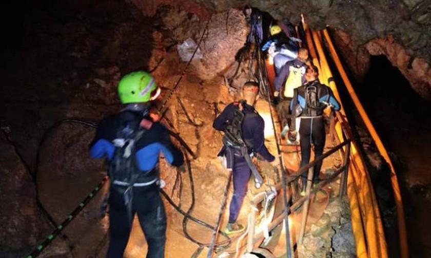 Ταϊλάνδη - Αποκάλυψη ΣΟΚ: Το τρομακτικό συμβάν στο σπήλαιο μόλις βγήκαν τα παιδιά