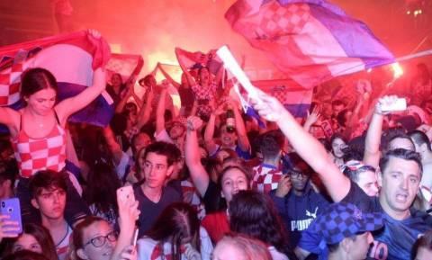 Παγκόσμιο Κύπελλο Ποδοσφαίρου 2018: Ξέφρενο πάρτι στο Ζάγκρεμπ για τον τελικό (video)