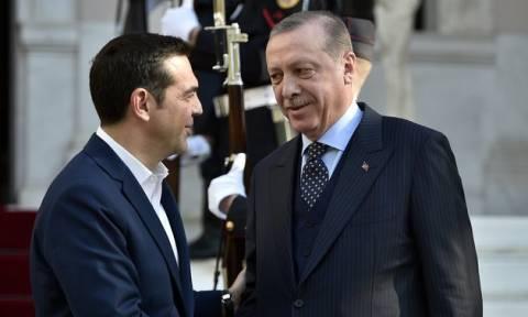 Συνάντηση Τσίπρα - Ερντογάν LIVE: Σκληρή γραμμή από τον πρωθυπουργό για τους Έλληνες στρατιωτικούς