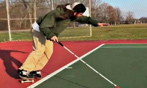 Τρομερός: Έχεις ξαναδεί τυφλό να παίζει τένις; (vid)