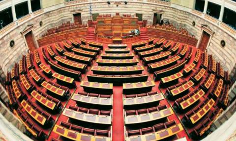 LIVE Βουλή: Η συζήτηση στην Ολομέλεια για το νομοσχέδιο του «Κλεισθένη»