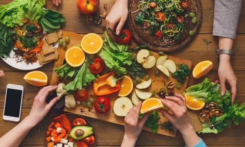 Εκφύλιση ωχράς κηλίδας: Το φρούτο που μειώνει τον κίνδυνο κατά 60%