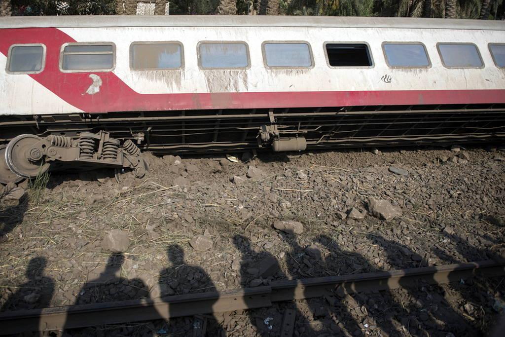 Αίγυπτος: Τουλάχιστον 55 τραυματίες από εκτροχιασμό τρένου (pics)
