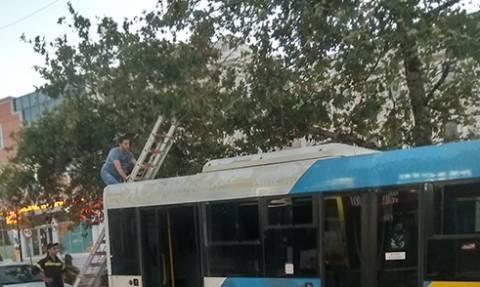 Φωτιά σε λεωφορείο στη Λ. Κηφίσιας