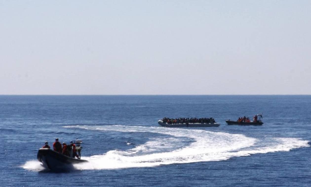Νέο «θρίλερ» στη Μεσόγειο: Πλοίο με 450 μετανάστες αναζητά ασφαλές λιμάνι
